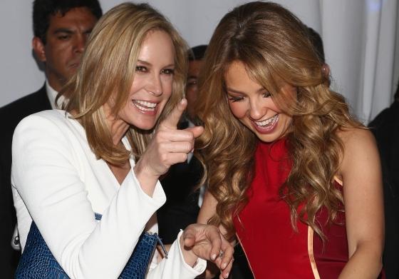Thalía se divierte como niña con Dee Hilfiguer